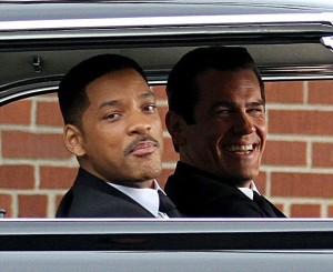 """Will Smith & Josh Brolin on the set of """"Men In Black 3."""" It was announced Tuesday that Gameloft will partner with Sony Pictures Consumer Products for a """"MIB3"""" mobile game."""