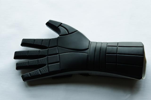Power Glove mitt