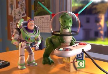 286942_Papel-de-Parede-Buzz-e-Rex-Jogando-Videogame-Toy-Story_1920x1080